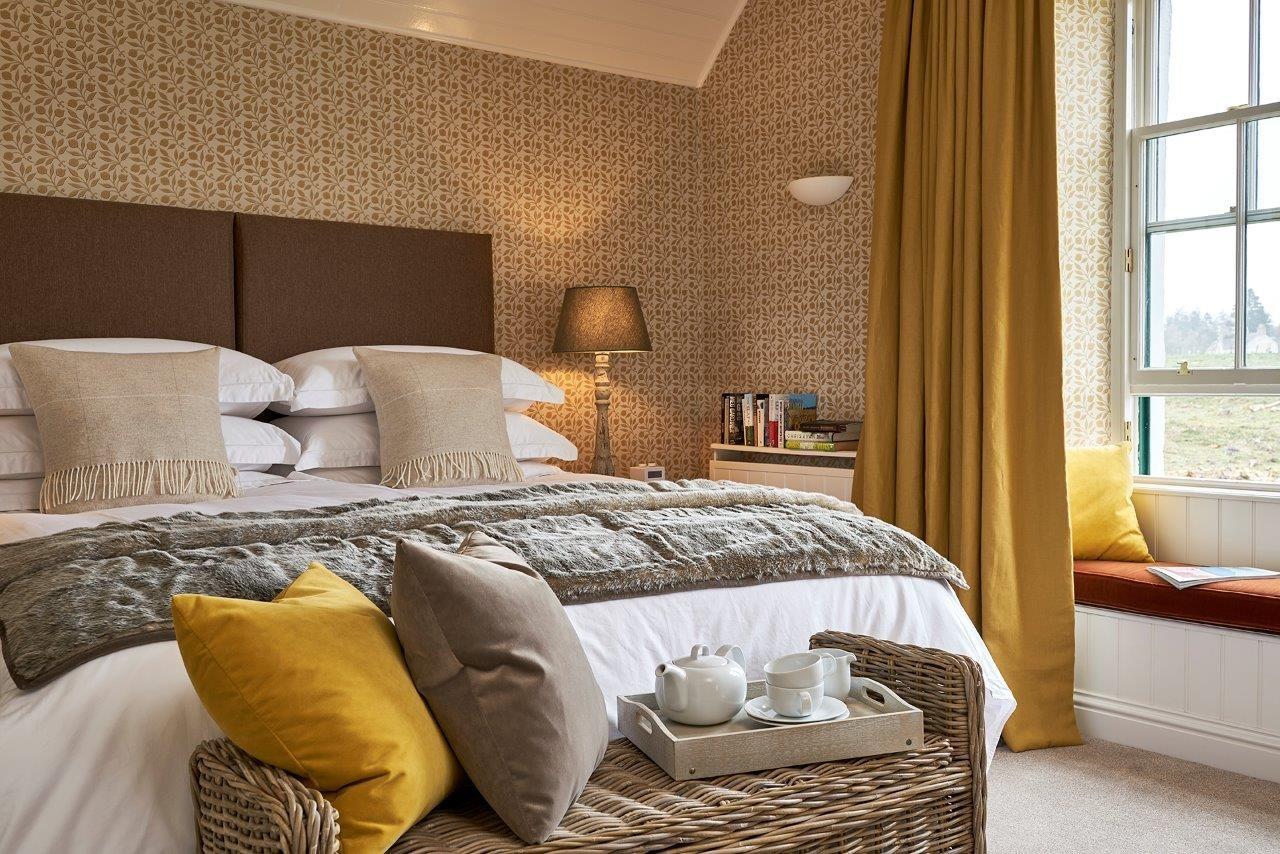 Master bedroom luxury self catering Rothiemurchus Highlands